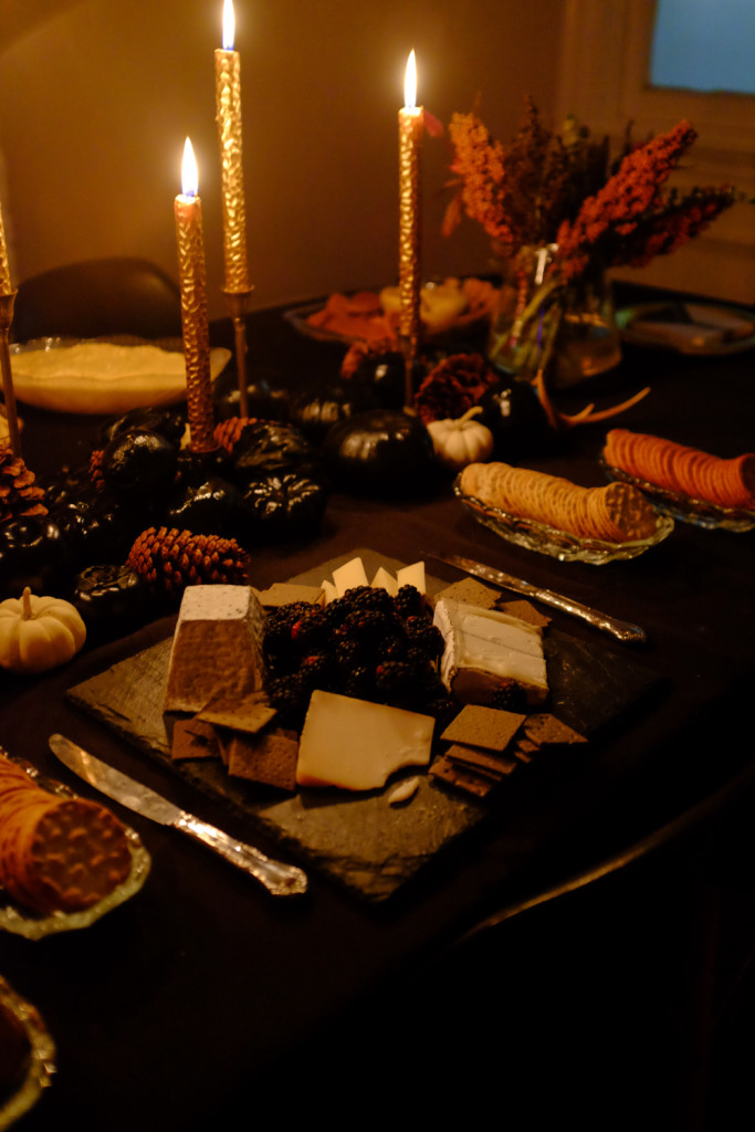 halloween, halloween party, elegant halloween, tablescape, fall tablescape